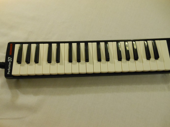 S37 Performer 37 Melodica Picture 3